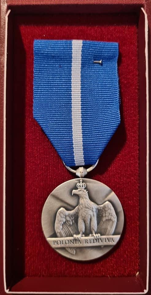 https://lukaszewski.org.uk/wp-content/uploads/2021/10/polonia-rediviva-medal.jpg